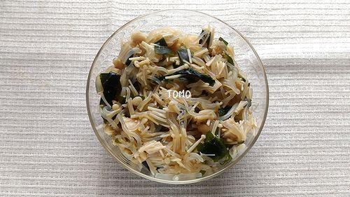 エノキ茸と白滝の麺つゆ和え