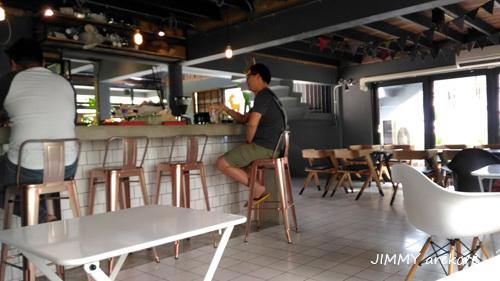 06_151621beringcafe.jpg