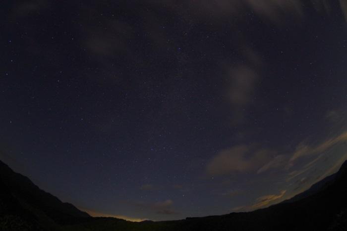 星と大地と雲と