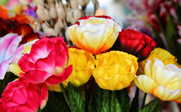 artificial-flowers-for-home-decor_38678-1443.jpg