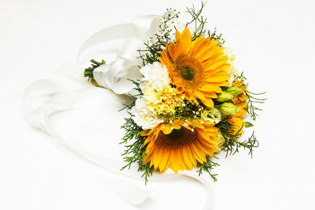 yellow-theme-and-bouquet-for-her-wedding_42044-2320.jpg