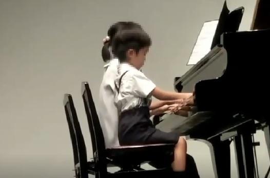 #12_朝ごはんの歌『コクリコ坂から』より―小2息子初めてのピアノ発表会で母と連弾編