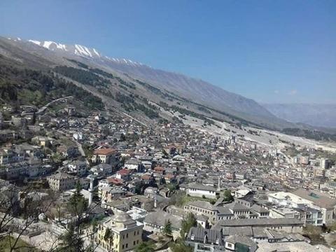 アルバニア-ジロカストラ2