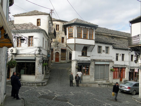 アルバニア ジロカストラ1