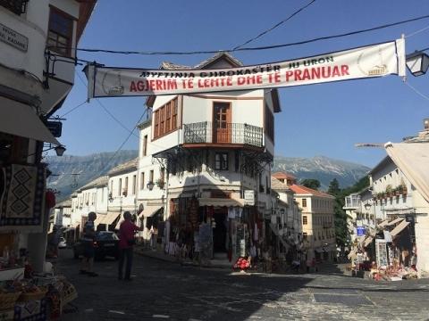 アルバニアの観光化1-ジロカストラ