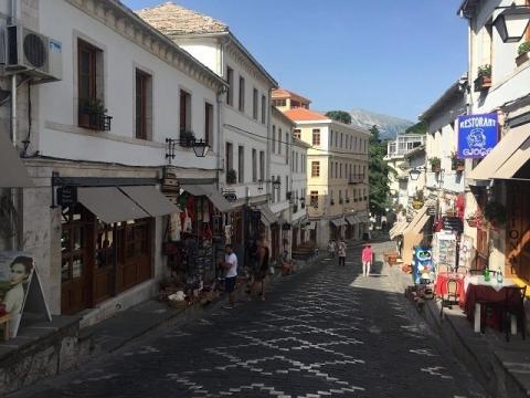 アルバニアの観光化3-ジロカストラ