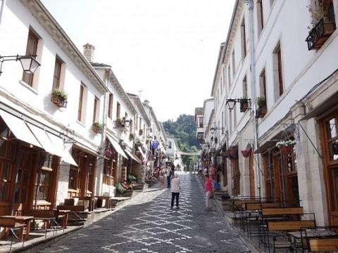 アルバニアの観光化4-ジロカストラ
