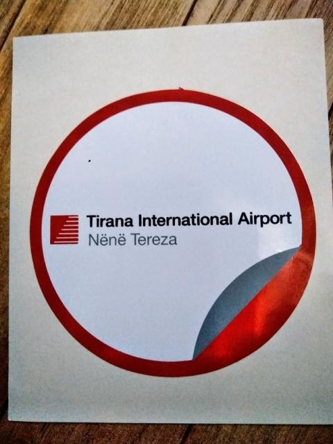 アルバニア ティラナ空港のステッカー