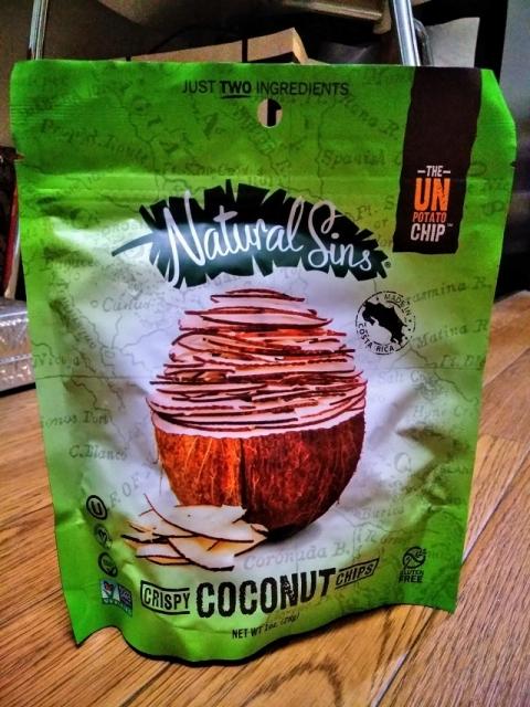 コスタリカ製クリスピーココナッツチップス1
