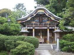 武蔵野稲荷神社 カラフルな彫刻
