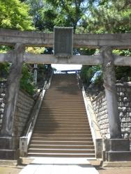 品川神社 急な階段