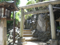 品川神社 富士塚入り口