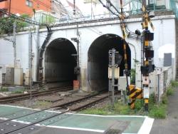 神泉駅 トンネル1