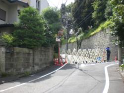 富ケ谷町 安倍総理邸宅前の道
