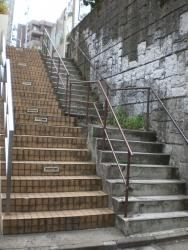 神泉から円山町に行く階段