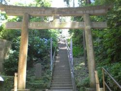 北鎌倉 円覚寺 洪鐘 急な階段