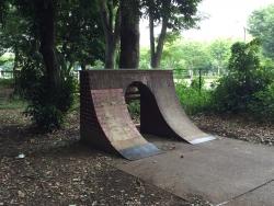 二子玉川 砧公園 スケードボード ジャンプ台