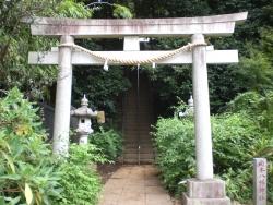二子玉川 岡本八幡神社 一対の灯籠