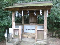 鎌倉 妙本寺 蛇苦止の井2