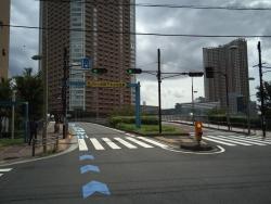 芝浦 渚橋 車線が2つに分かれている