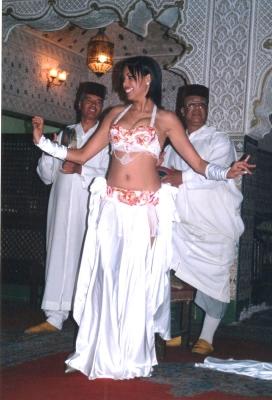 民族舞踊ショーにて。 2005年 モロッコ マラケシュ