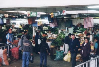 ペルーの首都リマの市場にて。時期でないのかトマトがあまり見えない・・・。 2003年 ペルー リマ