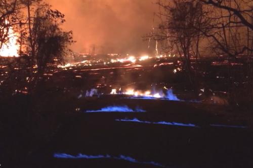 キラウエアの青い炎