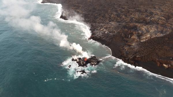キラウエア火山が造成した溶岩島