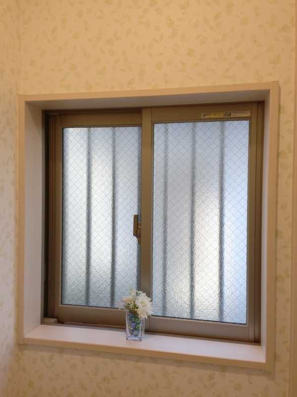 トイレの窓_IMG_5712