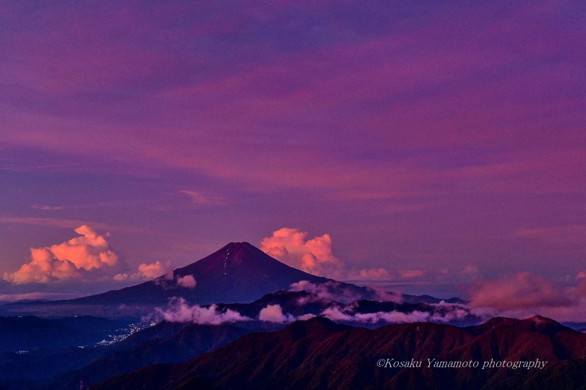 朝焼け赤富士 (雁ガ腹摺山)