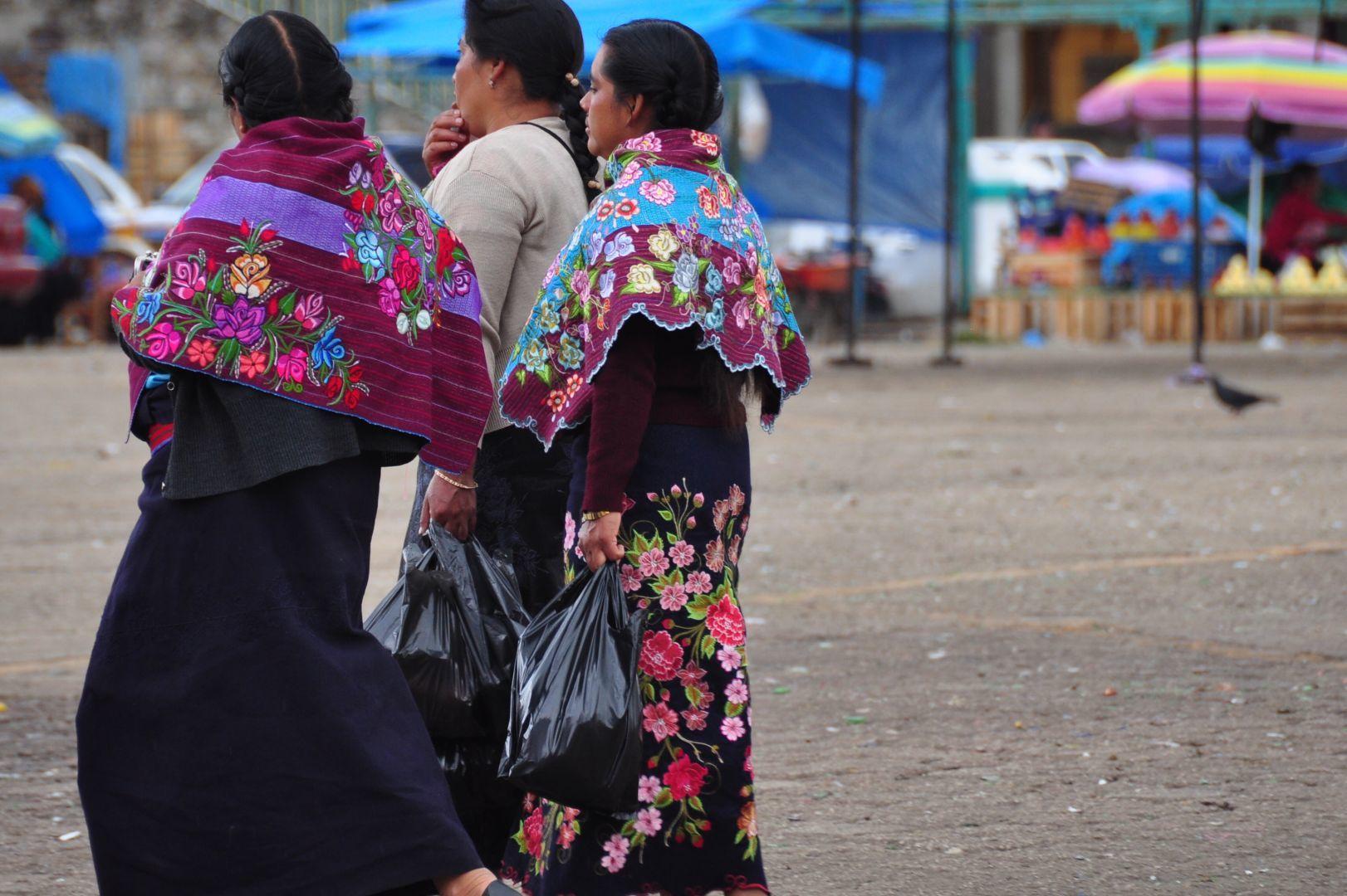 traje traditional de Mayas