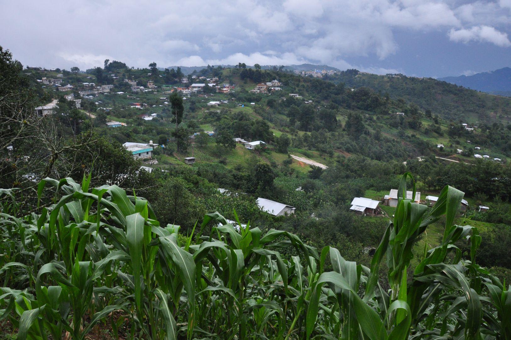 la vista de poblados montanes de Maya