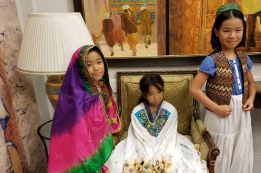 アフガニスタン民族衣装