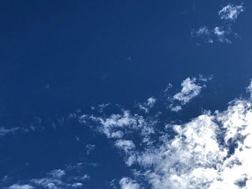 久々の青い空