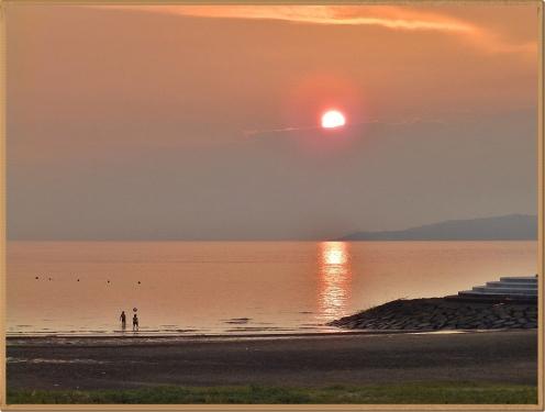 夕日が綺麗な海