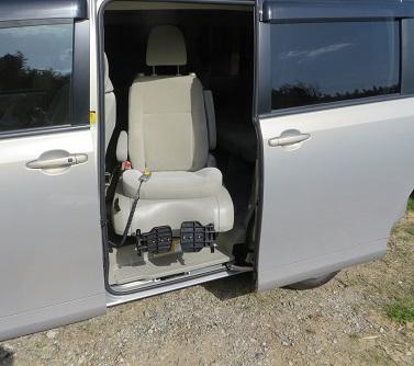 車椅子自動車・1