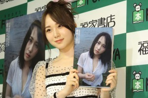 AKB48 高橋朱里 ランジェリー姿に関する-01
