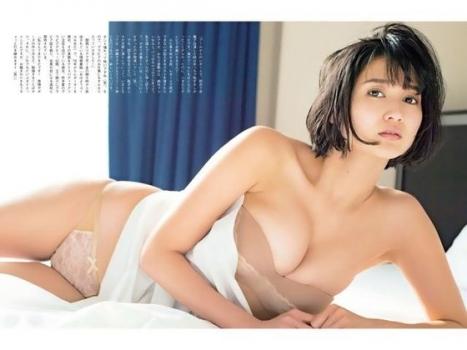 巨乳過ぎるレポーター 出口亜梨沙 おっぱいに関する画像-01