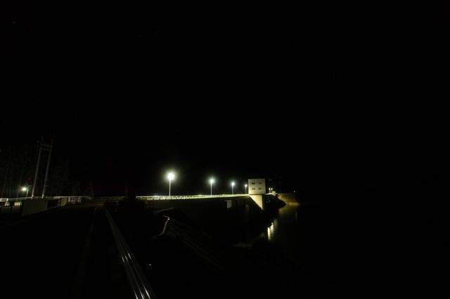 伊良原ダムから見た夜景-2
