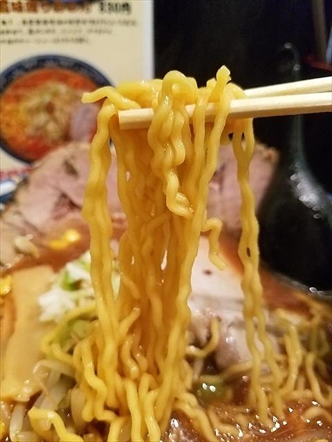 20180804_121023_R 細麺と太麺が選べたらしい。インパクトない麺