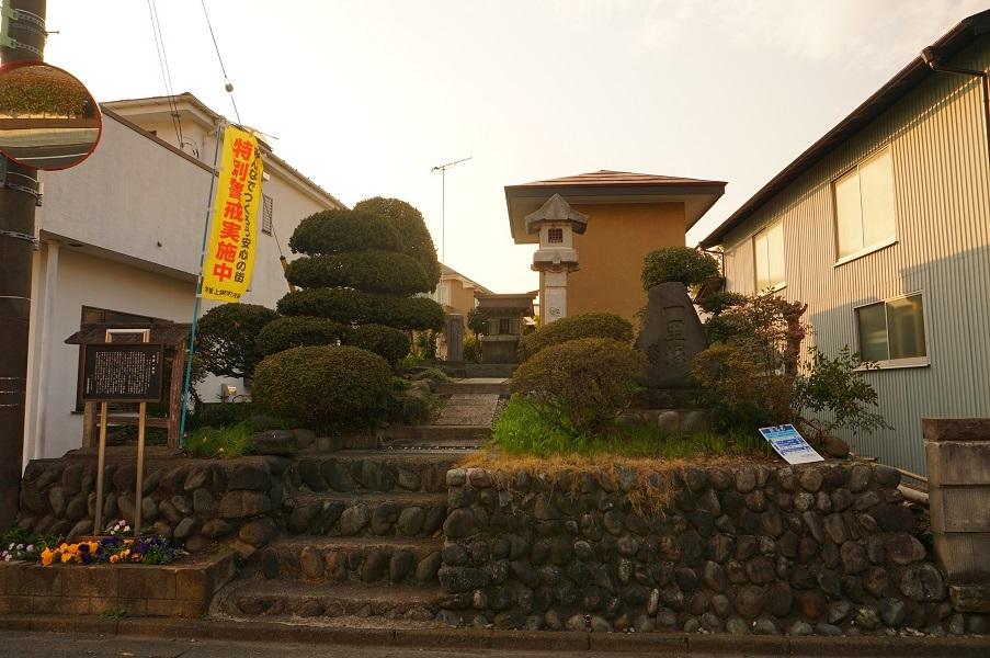 12 木曽一里塚全景