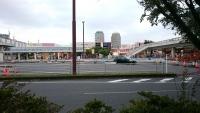 海浜幕張駅前の様子