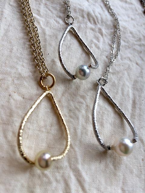 真珠ネックレスシェイプ