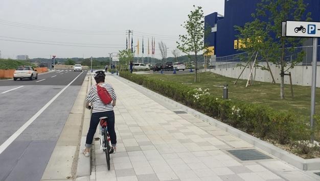 IKEA到着駐輪場へ