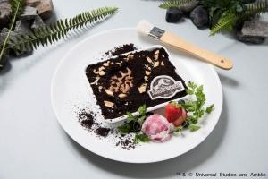 何が出るかな?化石発掘ケーキ