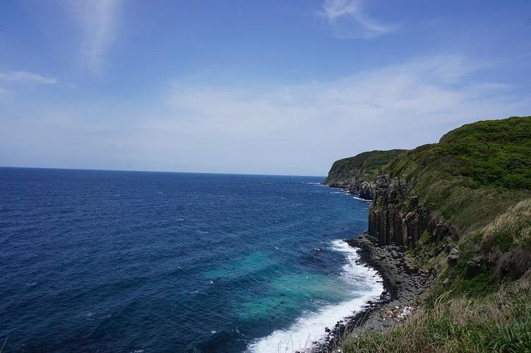 1塩俵の断崖