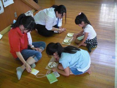 ⑤-1児童館チラシ折り