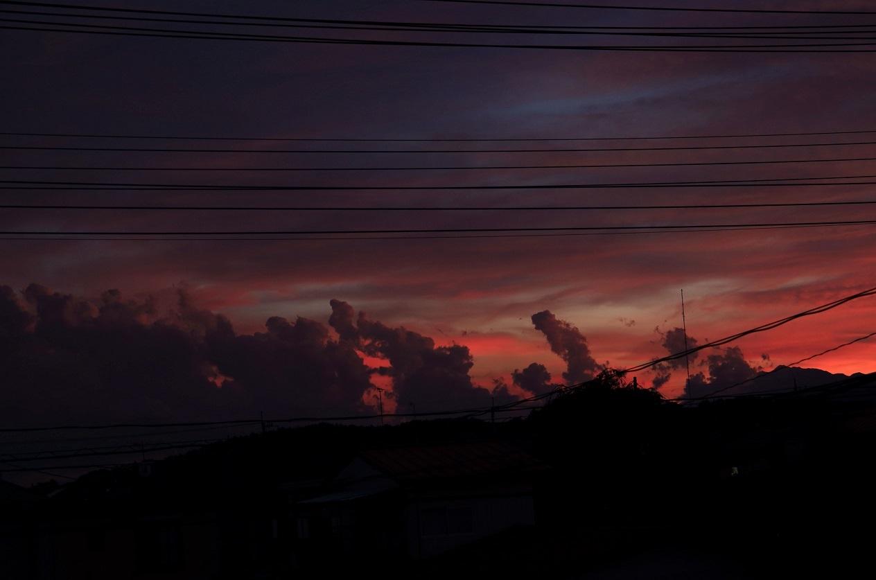 ブログ 羅漢様のような夕焼けの雲.jpg