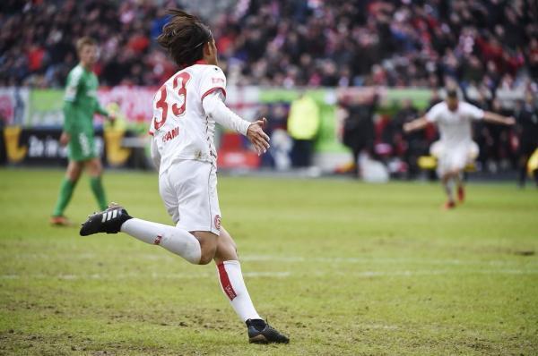 Nurnberg 2- 1 Dusseldorf - Takashi Usami goal