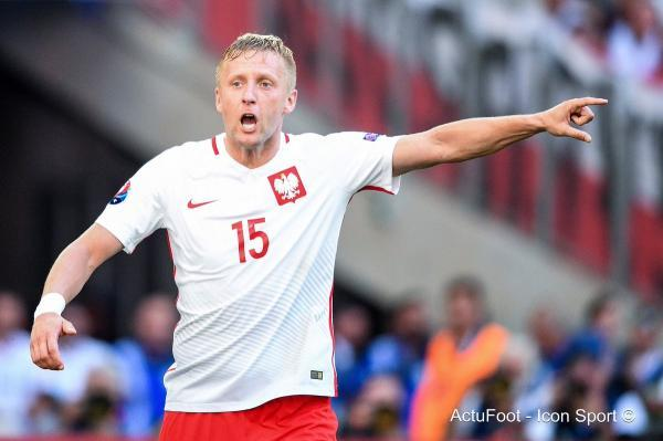 Poland FA head Hurt defender Glik will not play in WCup